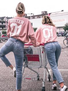 Hamburger Haenger® Sister from another Mister Crop Sweatshirt - Bff pics - Outfits İdeas Best Friends Forever, Best Friends Sister, Best Friend Outfits, Best Friend Photos, Best Friend Shirts, Best Friend Goals, Sister Sister, Funny Friends, Sister Pics