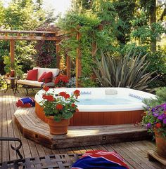 Hot Tub Backyard Getaway: A typical round hot tub is 6 feet in diameter and takes up about 30 square feet. A rectangular tub requires about 48 square feet. You'll also need additional room for sitting and walking around the tub. (Like it lowered, special Hot Tub Backyard, Backyard Patio, Nice Backyard, Backyard Ideas, Outdoor Rooms, Outdoor Living, Whirlpool Deck, Round Hot Tub, Deck Design