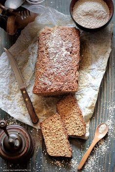 Paine dukan cu tarate de ovaz (paine dukan cu tarate de ovaz) Dukan Diet Recipes, My Recipes, Bread Recipes, Blood Type Diet, Bread Baking, I Foods, Bakery, Deserts, Gluten