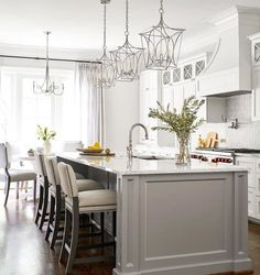 4 Tips for Keeping Your Kitchen Super-Organized — Beth Lindsey Interior Design Kitchen Interior, New Kitchen, Kitchen Decor, Kitchen Sets, Kitchen Cart, Modern Farmhouse Kitchens, Home Kitchens, Tuscan Kitchens, Contemporary Kitchens