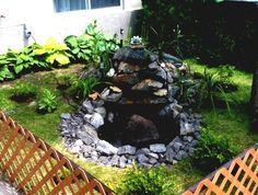 Superb einen kleinen Garten pflegeleicht gestalten mit Teich in der Mitte