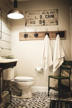 Guest bathroom towel hooks towel hooks The Effective Pictures We Offer You About winter sh Bathroom Storage Solutions, Small Bathroom Storage, Wall Storage, Bathroom Organization, Hang Towels In Bathroom, Bathroom Flooring, Modern, Bathroom Ideas, Ikea Bathroom
