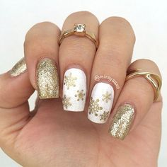 Snowflake ❄️ Nails We have made a photo collection of Cute and Inspiring Christmas Nail Art Designs and we are sure that you will love them. Christmas Nail Art Designs, Winter Nail Designs, Winter Nail Art, Winter Nails, Acrylic Nail Designs Classy, Xmas Nails, Holiday Nails, Christmas Nails, Fun Nails