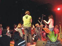 Petit Pop. Y después del concierto... todo el mundo a tocar la batería.