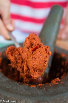 Authentic Thai Red Curry Paste Recipe (พริกแกงเผ็ด) - http://www.eatingthaifood.com/2014/06/thai-red-curry-paste-recipe/