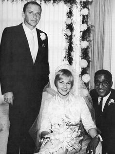 Frank Sinatra at the wedding of Sammy Davis Jr. and May Britt Old Hollywood Movies, Hollywood Actor, Hollywood Celebrities, Hollywood Actresses, Classic Hollywood, Celebrity Wedding Photos, Celebrity Couples, Celebrity Weddings, Sammy Davis Jr