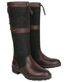The Dubarry Glanmire Boots are an elegant, knee-high boot that offers effortless style with a country twist. The Glanmire boots are crafted from the highest qua Tall Brown Boots, Tall Boots, Knee High Boots, Black Boots, Short Boots Outfit, Casual Boots, Leather Boot Care, Leather Boots, Dubarry Boots