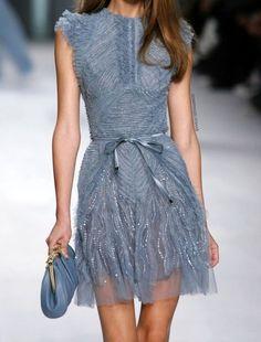 Modelo de Elie Saab !   Elaborado/ femenino / discreto