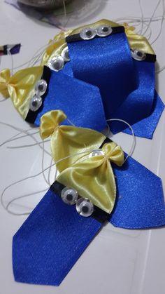 Pacote com 10 Gravatas Minions Pet <br> <br>Acompanham elástico do pescoço