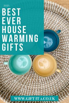 Stunning house warming gift ideas for friends new home. Whether you are searching for a home gift to add to a house warming gift basket or something to gift individually, visit Gift It 2 for unusual home gift ideas that your friends will love in their new home or apartment. From lanterns to solar lights to kitchen accessories we are sure you are will find just what you are looking for! #giftit2 Practical Housewarming Gifts, Housewarming Gift Baskets, Practical Gifts, Simple Gifts, House Gifts, New Home Gifts, 18th Birthday Gifts For Girls, Thoughtful Gifts For Her, Wooden Lanterns