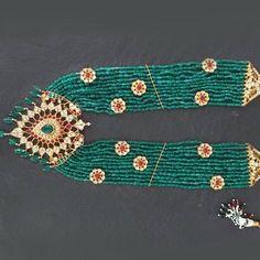 Sabyasachi Tikka Maang TikkaKundan Jewelry | Etsy Bridal Necklace Set, Bridal Jewelry Sets, Indian Jewelry Sets, Fine Jewelry, Jewellery, Sabyasachi, Hyderabad, Statement Jewelry, Jewelry Design