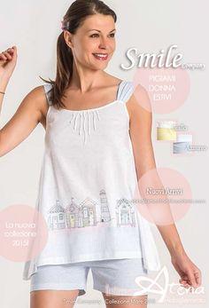 Proseguiamo la settimana con i pigiami donna Estivi. Quella di Smile Company è una collezione che si propone con una tavolozza delicatissima di colori. Cabine è il pigiama donna con canottiera spalla larga che richiama la fantasia rigata del pantaloncino corto. Delicato azzurro o sfiziosissimo giallo. #estate #pigiami #pigiama #moda http://www.abbigliamentointimoatena.com/130-pigiami-donna