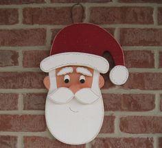 * Tête de Santa. Accroche avec une boucle de fil. * Le complément parfait à votre Noël et décoration pour la maison. * Mesure environ 17 de haut. * 100 % artisanalement aux USA. * Original Copyright designs par Lisa abeilles Craft and Design.