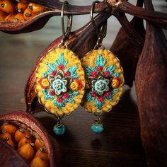 New beauties #earrings #embroidery #textilejewelry #bordado #broderie #boho…
