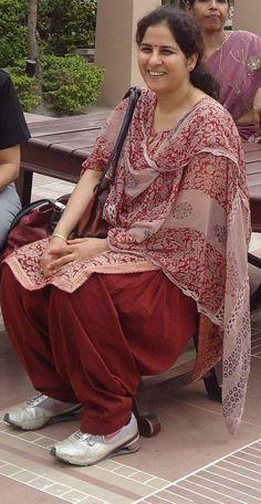 Beautiful Girl In India, Most Beautiful Indian Actress, Beautiful Gorgeous, Beautiful Saree, Beautiful Housewife, Vidya Balan Hot, Beauty Forever, Indian Beauty Saree, India Beauty