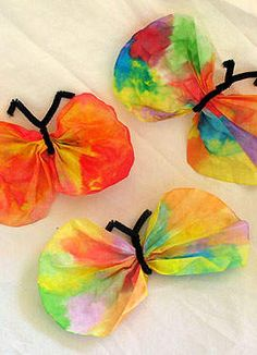 Skinny Mom's weekly round up of our top 10 coffee filter crafts! Great crafts to do with your children! Super inexpensive and so much fun!