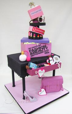 Planet Cake - 30 Days of Fashion & Beauty.