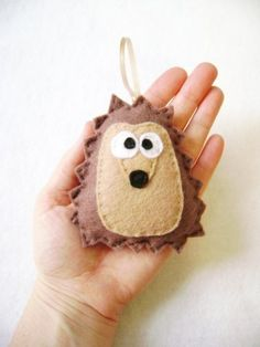 Felt hedgehog - etsy...I am so making one of these this week. The daughter of a friend is caring for a hedgehog class pet, this will be a lovely reminder.