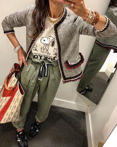 Zara new with the tags tweed blazer size M uK. Zara Models, Tweed, Beige Jumpers, Zara Shorts, Zara New, Zara Fashion, Topshop Tops, Snoopy, Boho Tops