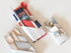 Bretting av servietter og forslag til hva du kan ha i lommene