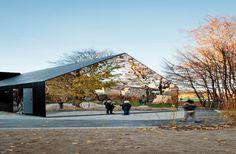 Mirror House in Copenhagen, Denmark Interactive architecture House Of Mirrors, Architecture Durable, Landscape Architecture, Architecture Design, Interactive Architecture, Ancient Architecture, Sustainable Architecture, Nova Deli, American Houses