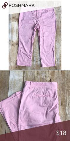 Pink capris *Pre loved *Light pink capris *Stretch  *Light blue mark on pants (SEE 3RD PICTURE) *Price reflects  *97% cotton, 3% spandex New York & Company Pants Ankle & Cropped