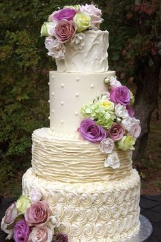 These dreamy and rustic wedding cakes have all of our attention! This enchanting wedding cake inspiration is sweetly elegant for any bride to adore. Purple Wedding Cakes, Wedding Cake Photos, Wedding Cake Rustic, Rustic Cake, Elegant Wedding Cakes, Cool Wedding Cakes, Cute Wedding Ideas, Wedding Cake Inspiration, Beautiful Wedding Cakes