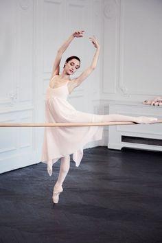 Dorothée Gilbert pour Repetto. ✯ Ballet beautie, sur les pointes ! ✯