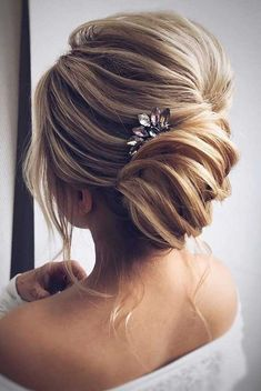 beautiful loose braided updo hairstyles, upstyles, elegant updo ,chignon ,bridal updo hairstyles ,updo hairstyles,wedding hairstyle #weddinghairstyles #updos #bridalhair