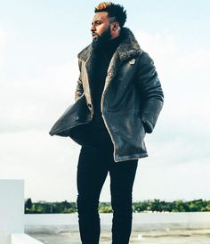 We've teamed up with @gqreport and some of the top pro football players in the league, sporting the season's hottest trends. First up, wide receiver @juiceup14 in @vince - You can shop his look via link in bio. Follow @nmmanstore for a closer look and more details to come. #GQxNM #NMmen #vince