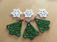 Christmas Afghan, Crochet Christmas Trees, Christmas Knitting, Christmas Patterns, Christmas Craft Show, Christmas Decorations, Diy Crochet, Crochet Bikini, Bead Crafts