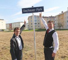 Zum Jubiläum hat Klagenfurt einen Park nach Dachau benannt, der bald neu gestaltet wird. Foto: OB Florian Hartmann mit Klagenfurts Bürgermeister Christian Scheider. Latina, Klagenfurt, Florian, Park, Pictures, Travel, Parks
