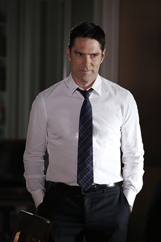 When a Maryland family is found murdered at their dining room table, the team tracks down other family members and friends to uncover secrets that may have led to it. Also, Hotch must try to make peace with his father-in-law, Roy, after discovering he's been diagnosed with Alzheimer's, on CRIMINAL MINDS, Wednesday, April 15 (9:00-10:00 PM, ET/PT) on the CBS Television Network. Emmy Award and Golden Globe Award winner Edward Asner guest stars as Hotch's father-in-law, Roy Brooks. Photo…