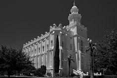 St. George Mormon Temple - http://www.everythingmormon.com/st-george-mormon-temple/  #mormonproducts #LDS #mormonlife