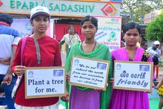 plant a tree message by girls in 14th Raahgiri Bhubaneswar