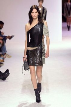 balmain menswear mens pfw pfwm paris runway @sssourabh Women's Runway Fashion, Mens Fall, Balmain, Menswear, Paris, Black, Dresses, Vestidos, Montmartre Paris