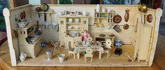 Uralte Puppenküche, homogenes Möbelprogramm in Antiquitäten & Kunst…