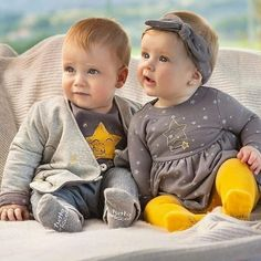 Having twins is a priceless gift, especially if your twins are boys and girls. Cute Baby Boy, Twin Baby Girls, Boy Girl Twins, Cute Twins, Twin Babies, Cute Little Baby, Baby Kids, Boy Girl Twin Outfits, Twin Baby Clothes