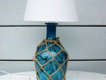 maritime tischlampe mit glasfu in t rkis alles aus. Black Bedroom Furniture Sets. Home Design Ideas