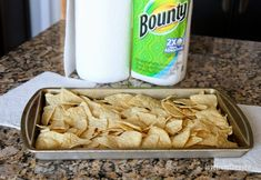 You can make easy and delicious NACHOS at home! Check out this recipe with step by step video to create nachos your friends and family will love! Appetizer Dips, Appetizer Recipes, Nachos In Oven, Chicken Wing Sides, Shredded Chicken Nachos, Crack Potatoes, Night Food, Beef Bourguignon, Thanksgiving Recipes