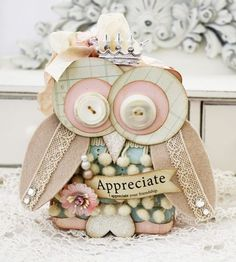 shabby owl is So OWLdorable! I am SO going to make a version of this for my Origami Owl display table! Kitsch, Owl Card, Paper Owls, Owl Crafts, Card Crafts, Owl Punch, Shaped Cards, Scrapbook Paper Crafts, Scrapbooking Ideas