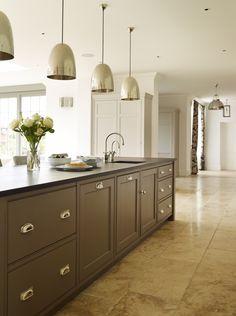 Project: Ashurst House | Kitchen Design: Nickleby | The Nickleby design embodies the true spirit of the classic contemporary kitchen. | #humphreymunson #kitchen #island #pendant #jimlawrence #lighting #ideas #bespoke #inspiration