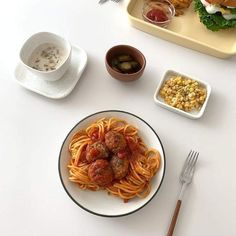 Good Food, Yummy Food, Think Food, Cafe Food, Aesthetic Food, Korean Food, Food Cravings, Street Food, Food Photography