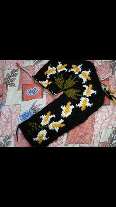 Friendship Bracelets, Knit Crochet, Slippers, Quotes, Crochet Curtains, Booties Crochet, Amigurumi, Zapatos, Gloves