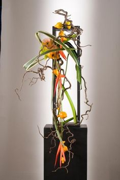 vertical-floral-design by Hitomi