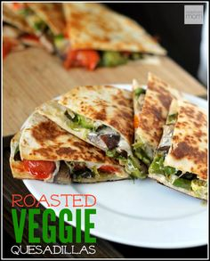 Healthy Recipes : Illustration Description This Roasted Veggie Quesadilla Recipe is a perfect summer meal. Put it together in minutes if you prepare the veggies beforehand in the oven or grill. Eat the best, leave the rest ! Lunch Recipes, Summer Recipes, Mexican Food Recipes, Vegetarian Recipes, Dinner Recipes, Cooking Recipes, Healthy Recipes, Fast Recipes, Cooking Food