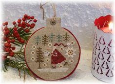 Petits points au jardin xxx: Petites décos....petits cadeaux.... Christmas Sewing, Noel Christmas, Winter Christmas, Xmas, Christmas Ornaments, Cross Stitch Finishing, Theme Noel, Le Point, Cross Stitching