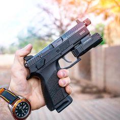 RAE Magazine Speedloaders will save you! Weapons Guns, Guns And Ammo, Cz P07, Ar Rifle, 9mm Pistol, Firearms, Shotguns, Tactical Equipment, Shooting Guns