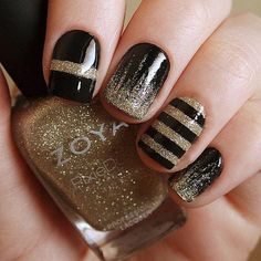 Glitter Nail Art Designs for Shiny & Sparkly Nails Gold Nail Art, Black Nail Art, Glitter Nail Art, Black Polish, Black Nail Designs, Nail Art Designs, Winter Nail Designs, Nails Design, New Year's Nails