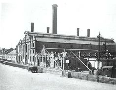 The Dock Road Power Station owned by the Cape Town City Council opened on 14 April 1904. It was decommissioned on 5 September 1961 and demolished during 1962.